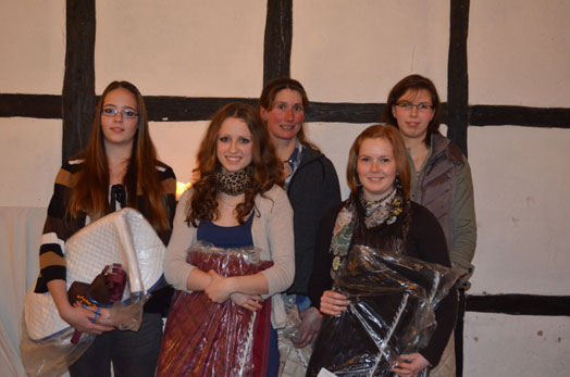 Die erfolgreichen Reiterinnen. Von links: Nina von Beuningen, Antje Dunkel, Alexandra Sönksen, Christin Heiseke-Kiefer und Sinja Meyer.