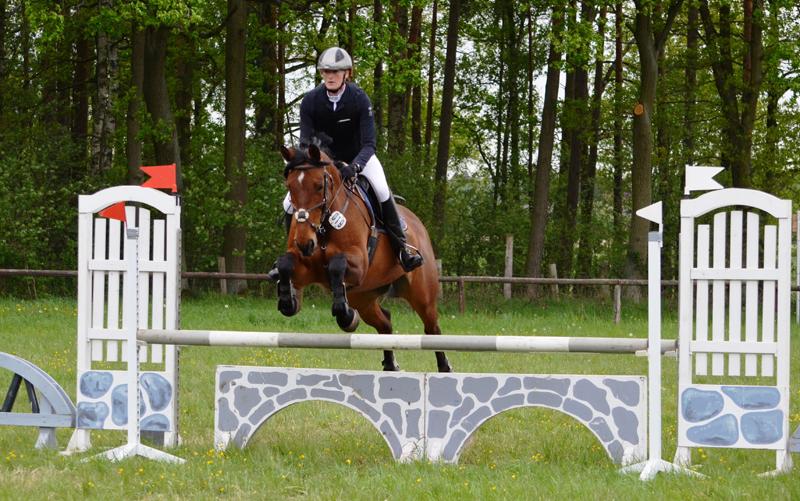 Stanja Wulf auf Gimmey, Siegerin im A-Springen.